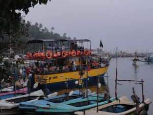 Katamaran im Hafen