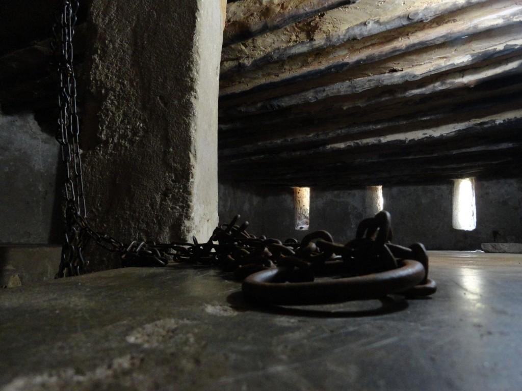 Ketten im Slavenmarkt von Stonetown