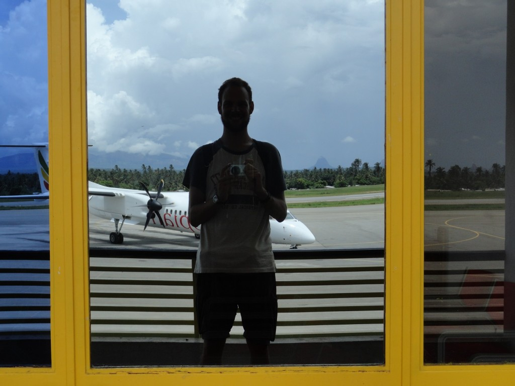 Am Flughafen in Nampula