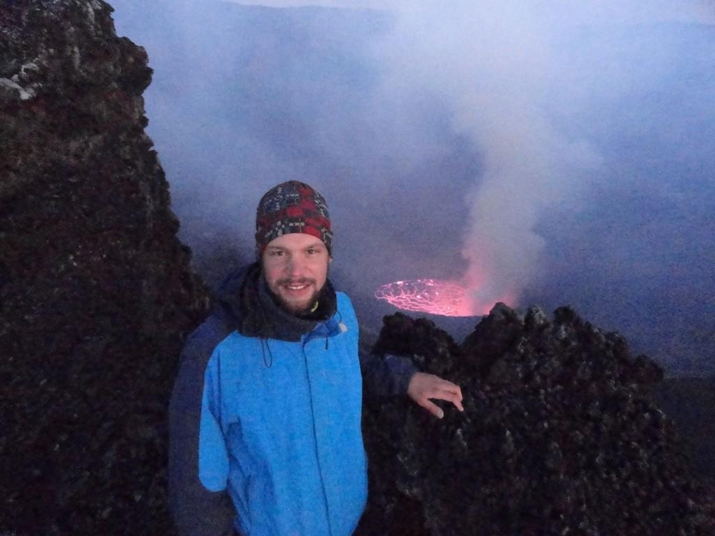 Auf dem Kraterrand des Nyiragongo