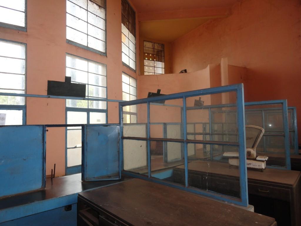 Schalterhalle der Hauptpost von Mbandaka