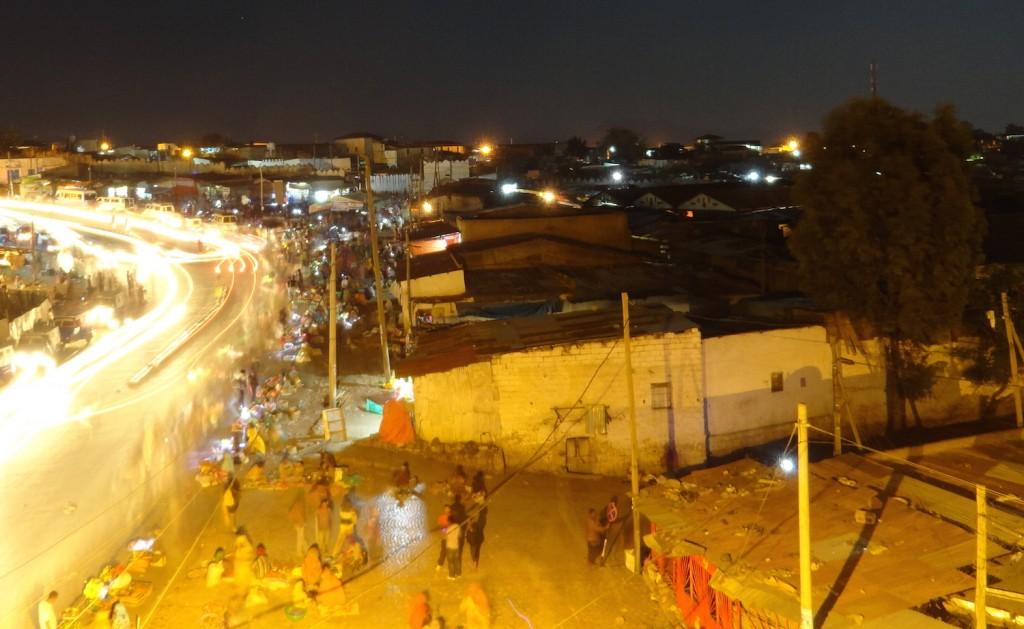Shoa Markt bei Nacht