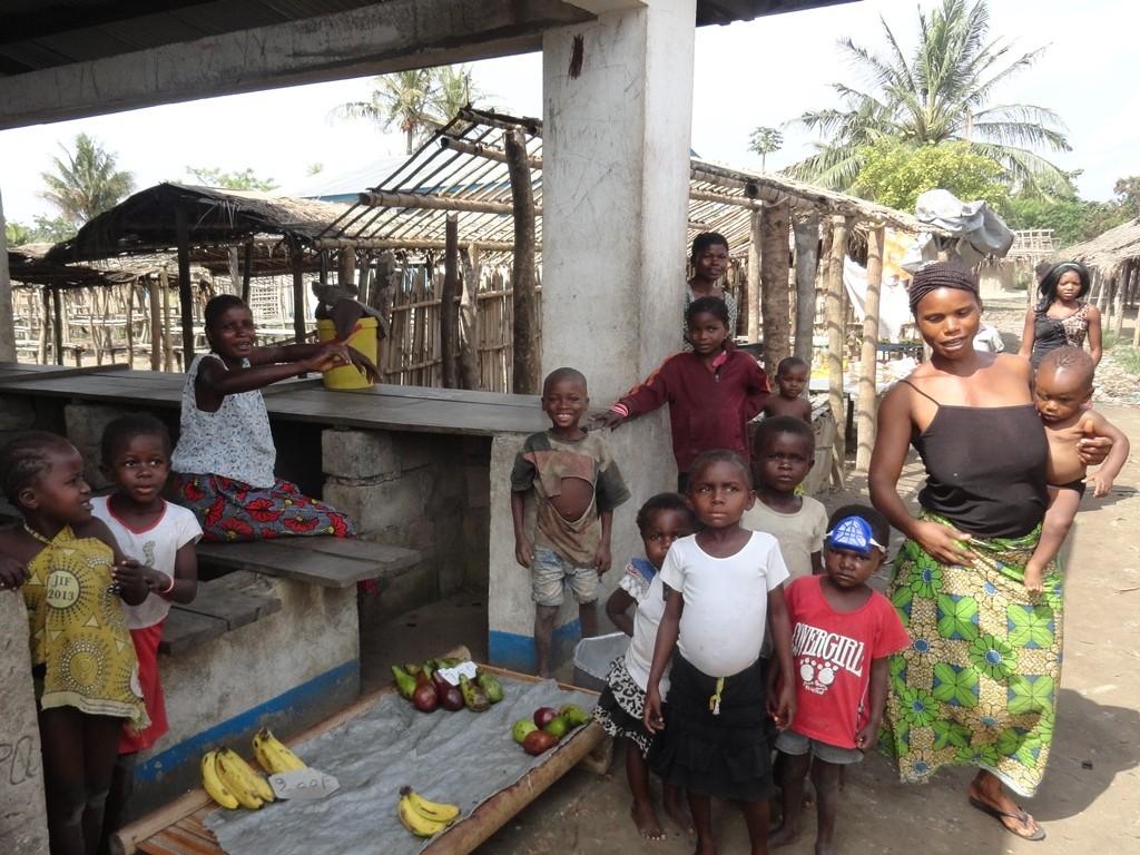 Kleiner Markt entlang des Kongo Flusses