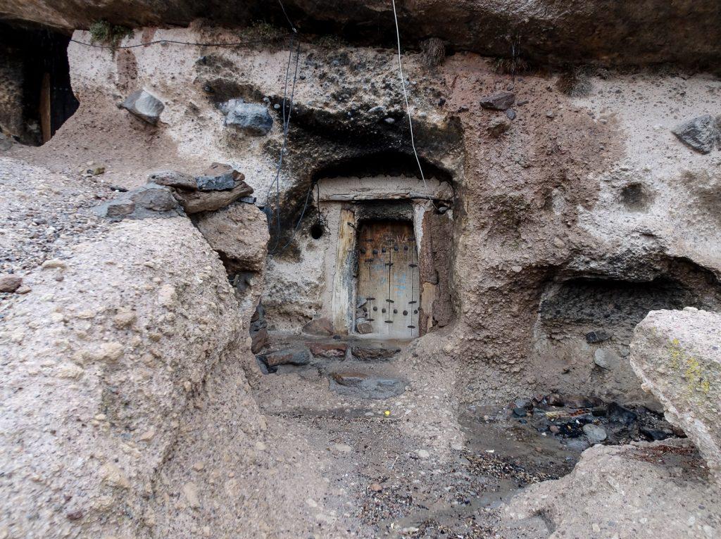 Eingang zu einem Haus in Meymand