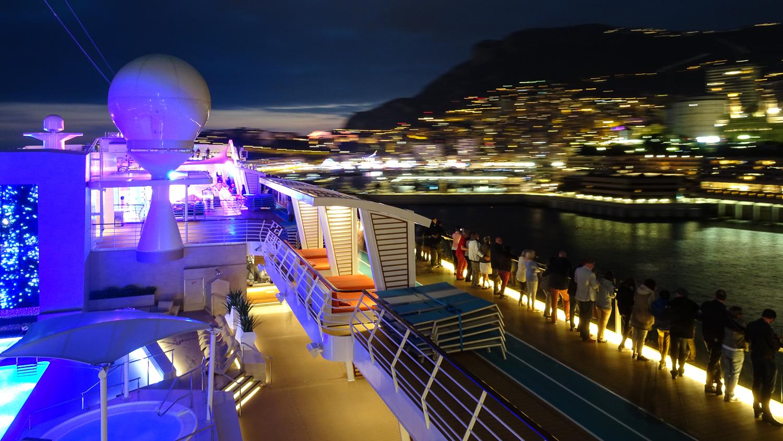 Auslaufen der Mein Schiff 5 in Monaco