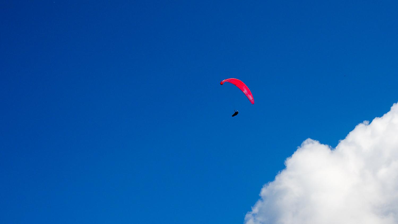 Gleitschirmflieger am Seebergkopf