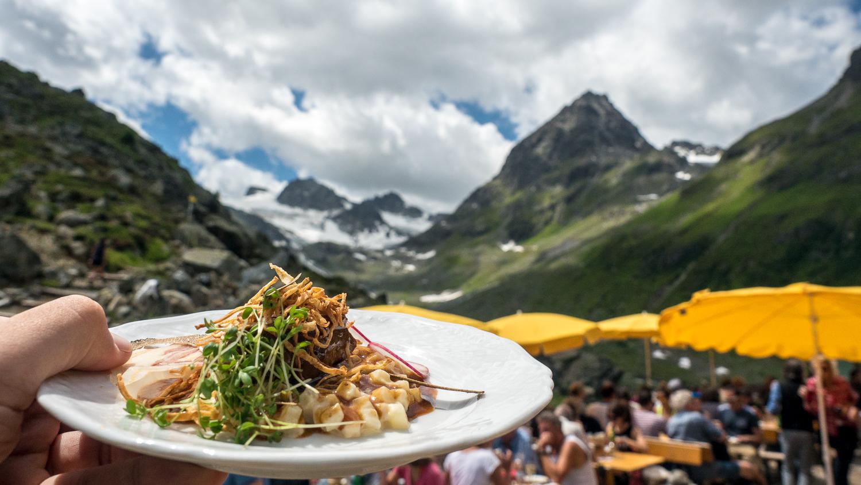 Essen in den Bergen um Ischgl