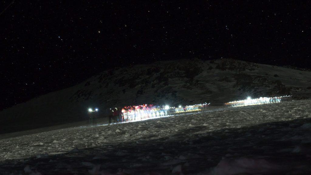 Lichterketten am Berg