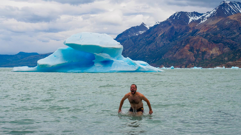 Baden vor Eisbergen