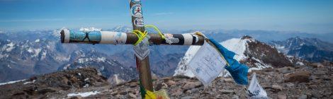 Gipfelkreuz des Aconcagua