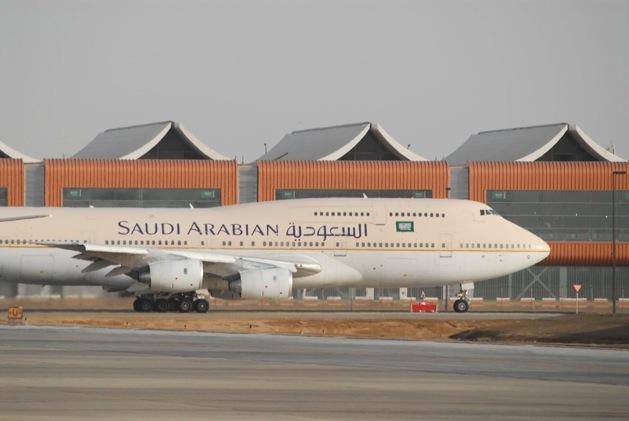 Saudia 747 vor dem Südterminal Jeddah