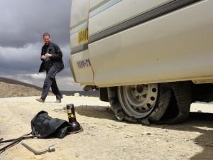 Geplatzter Reifen auf dem Weg zum Huayna Potosi