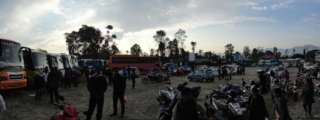 Busstation in Pokhara - Ankunft im Chaos