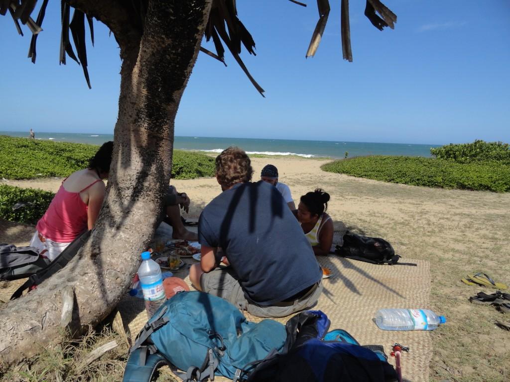 Grillen und Chillen am Strand von Manakara