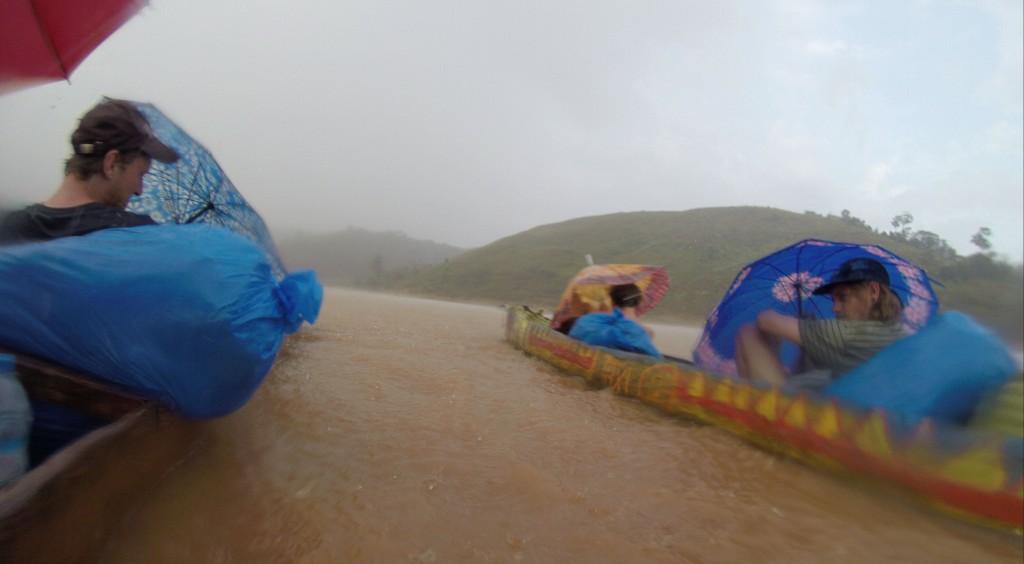 Heftiges Gewitter auf dem Wasser