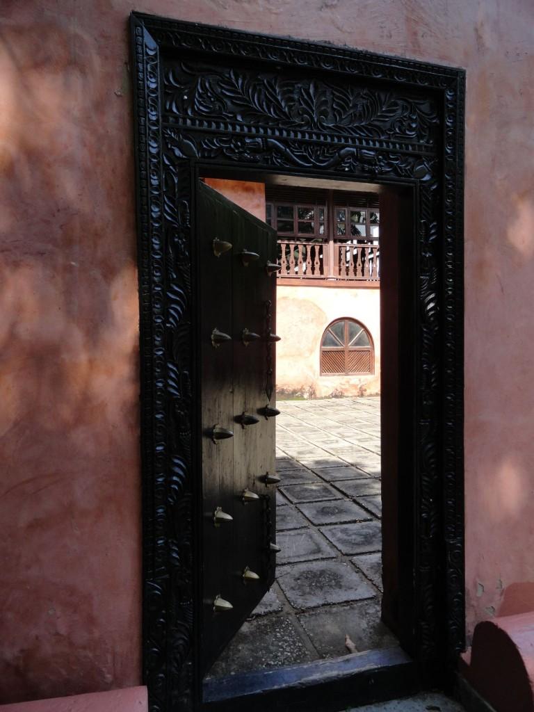 Dekorierte Tür auf der Gefängnisinsel