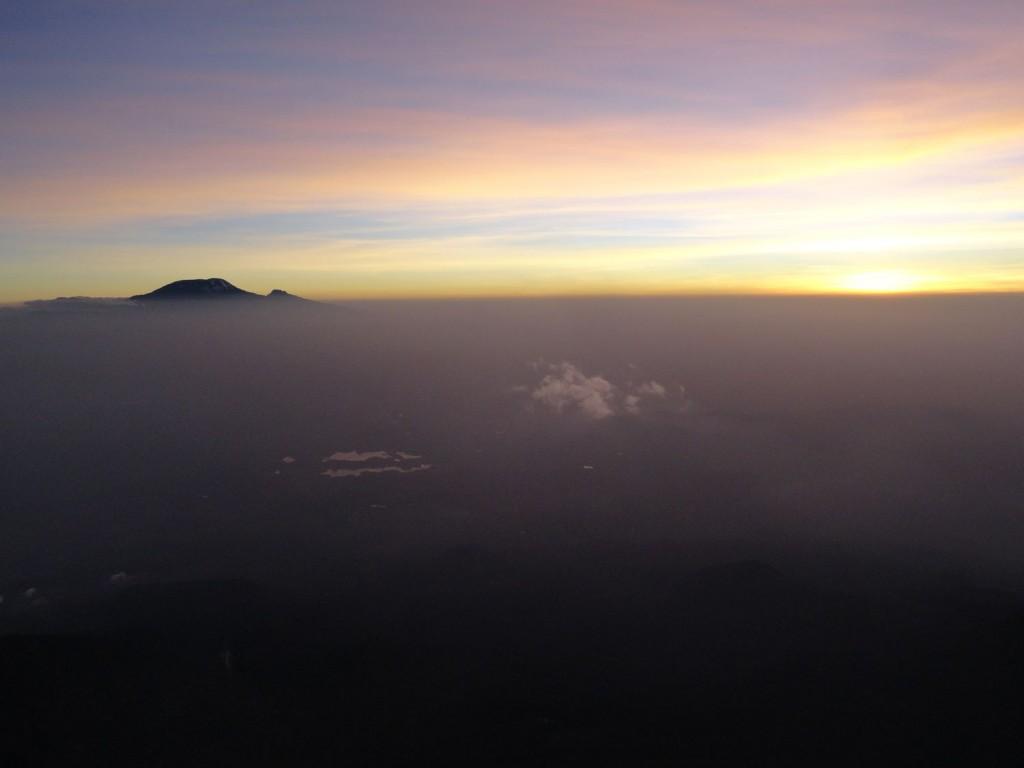 Sonnenaufgang am Mt. Meru