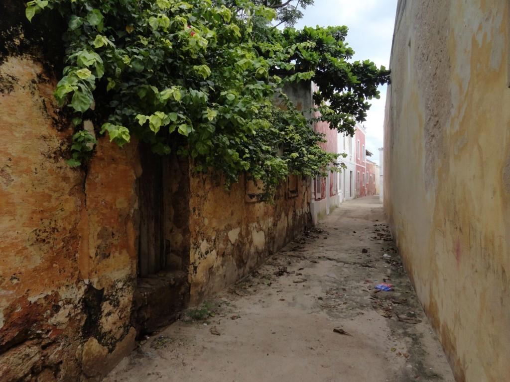 Gasse auf der Ilha de Moçambique