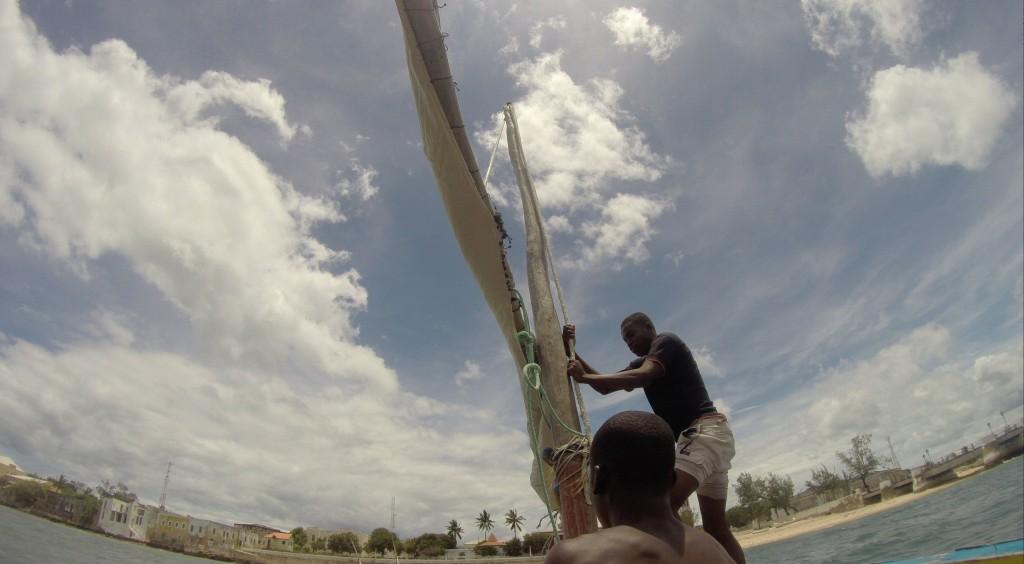 Dhow an der Promenade der Ilha de Moçambique