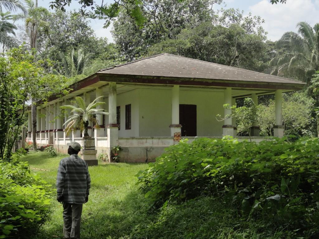 Museum in Botanischen Garten von Mbandaka