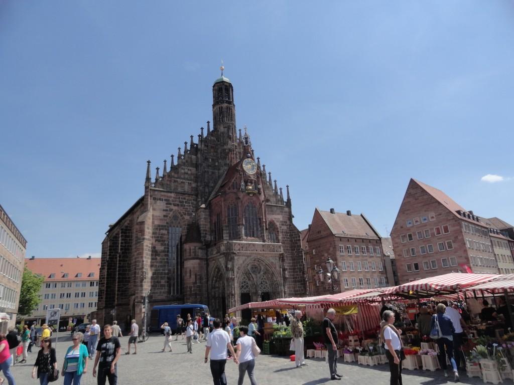 Hauptmarkt und Frauenkirche von Nürnberg