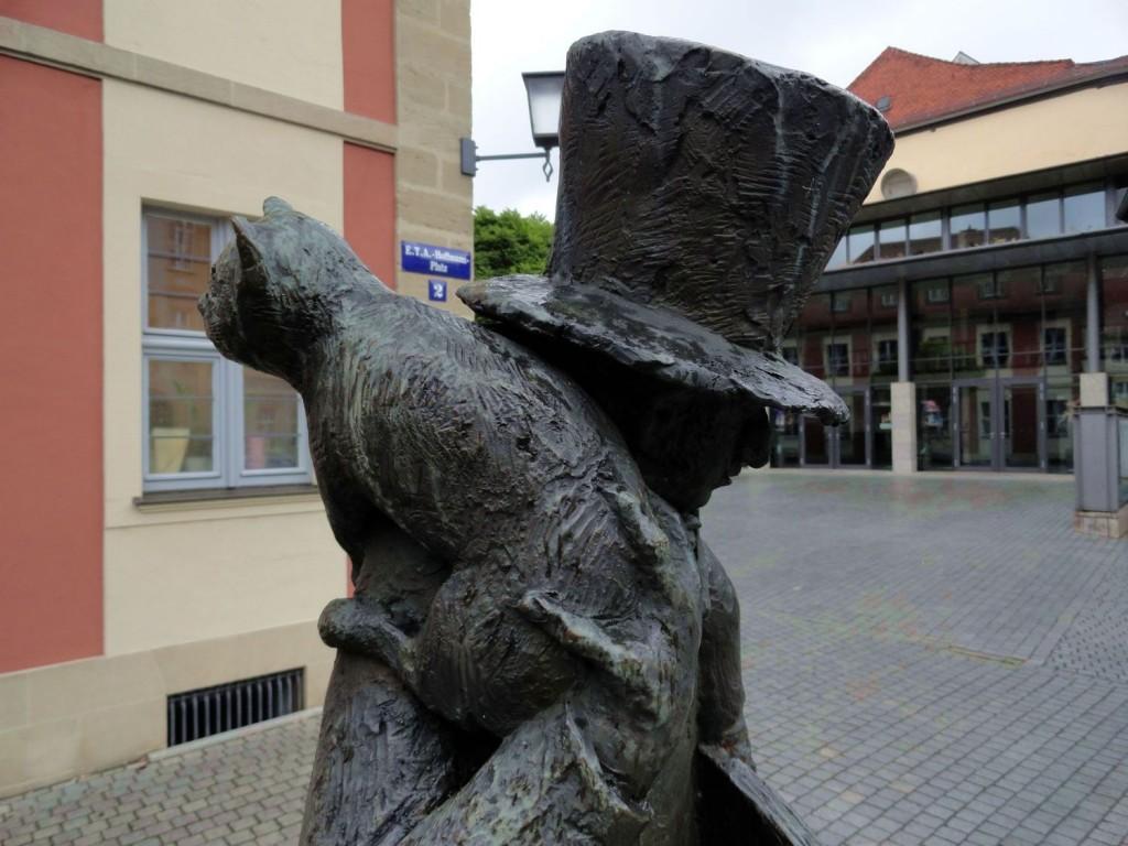 """""""Kleiner Hoffmann"""" von Reinhard Klesse vorm E.T.A.-Hoffmann-Theater"""
