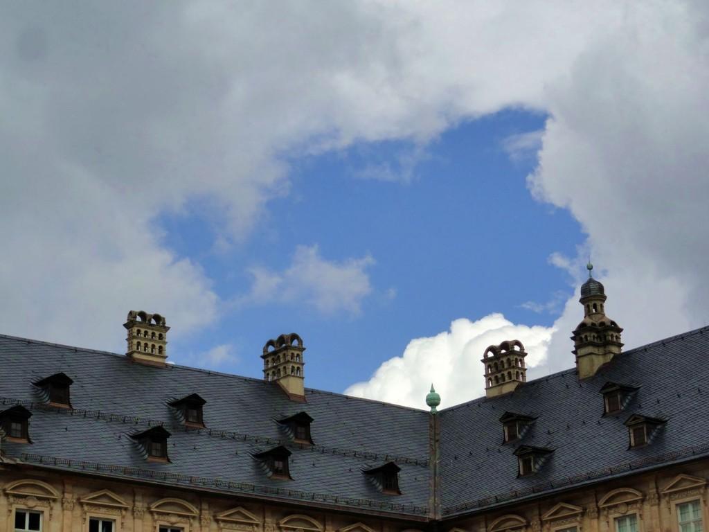 Wolkenlock über Bamberg - Die Sonne scheint...