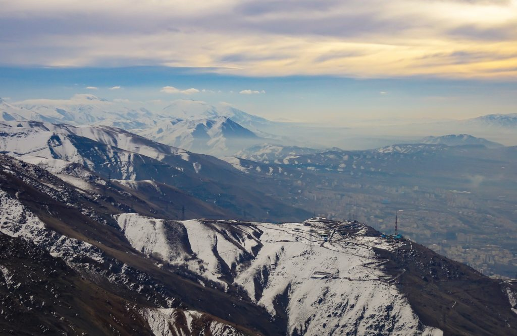 Blick über die Berge Teherans