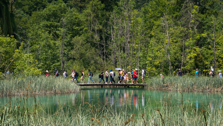 Menschenmassen an den Plitvicer Seen