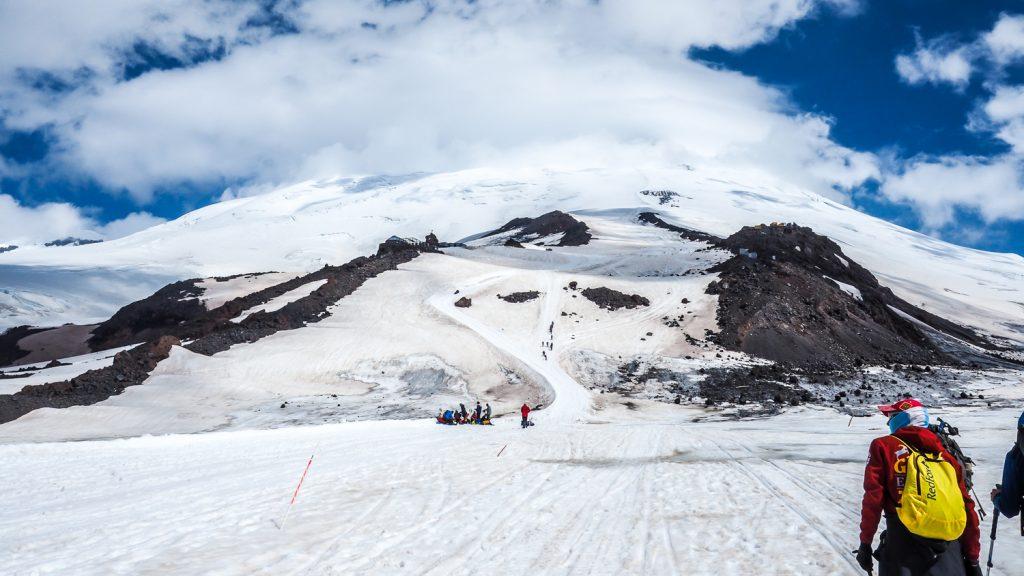 Elbrus in den Wolken
