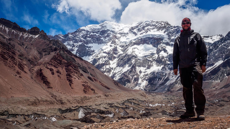 Dominik vor der Südwand des Aconcagua