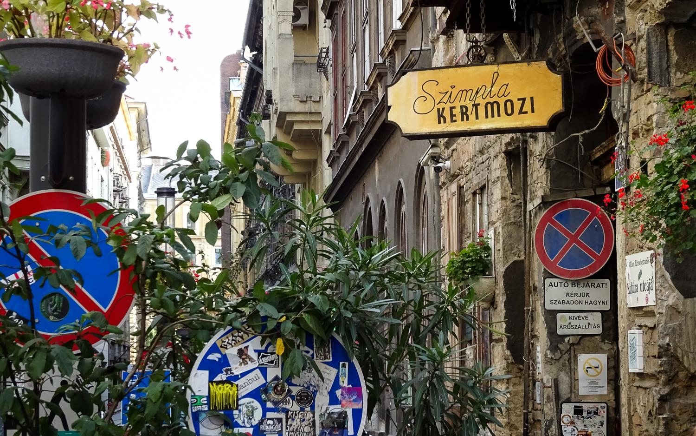 Simpla Café in Budapest