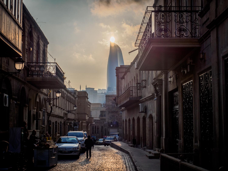 Aserbaidschan – Baku's Kontraste